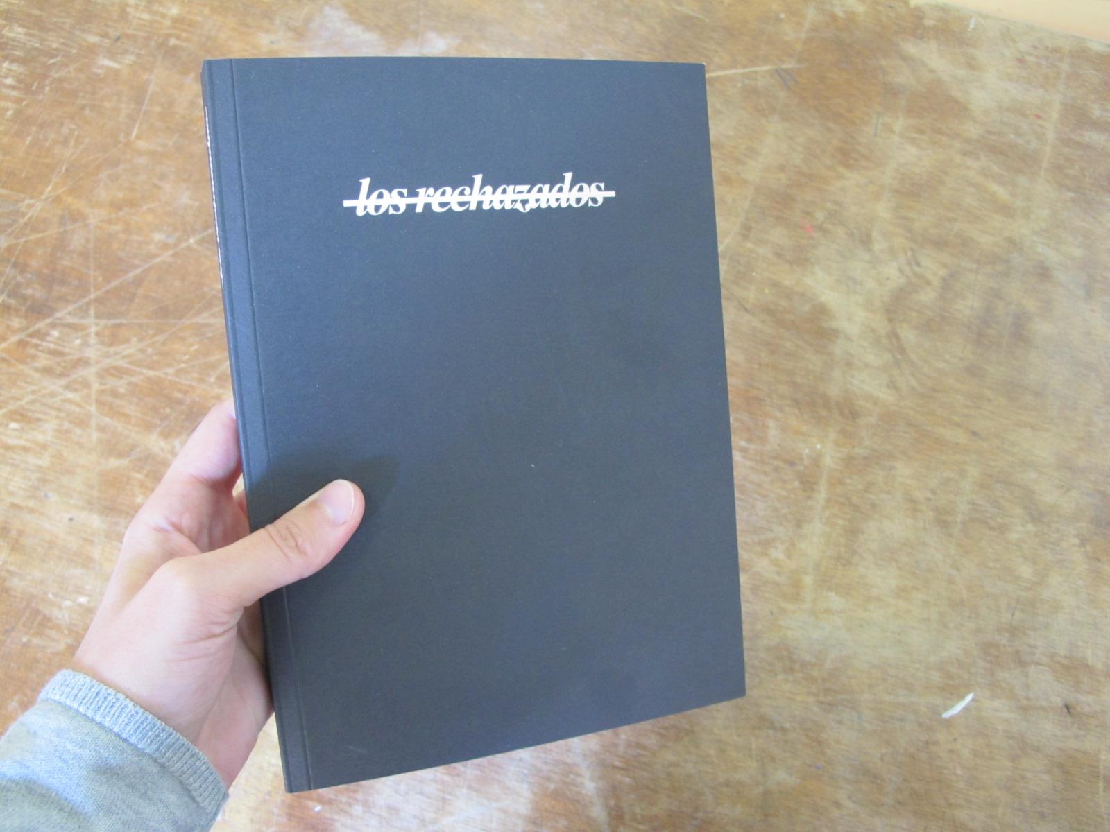 Los rechazados (llibre) 002